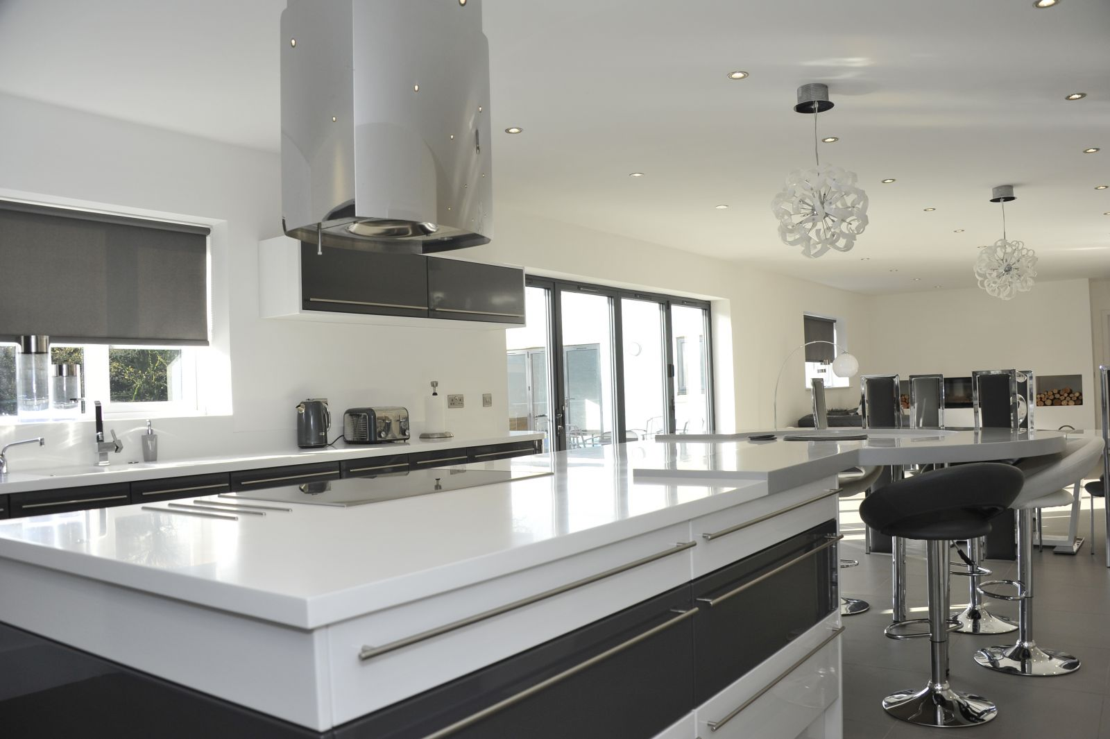 kitchen blog sigma 3 using wood is also a great way to zone your kitchen island below you can see how the solid wood surface is used as the seating are the oval shape is a