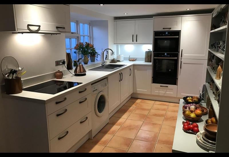 Chatsworth White with Quartz Stone Laminate