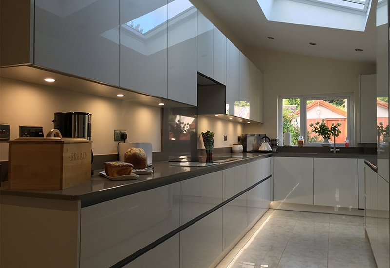 H line Lumina Mussel With Quartz Clay Worktops
