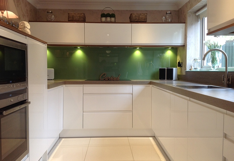 Nevada White GLoss WIth Laminate Clay Sangha Wenge Worktops