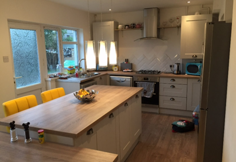 Malvern Light Grey with Sonoma Oak worktops