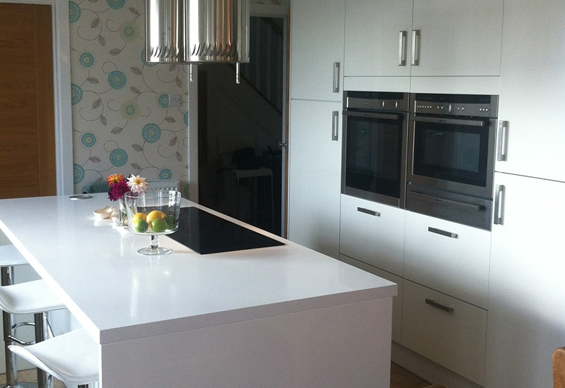 Mistral White & Nutmeg With White Corian Worktops
