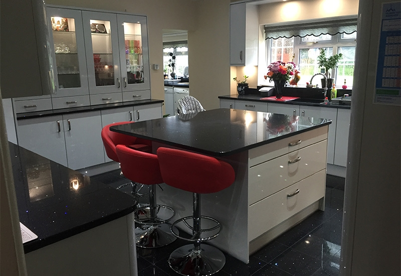 Nevada Light Grey with Ebony Quartz worktops