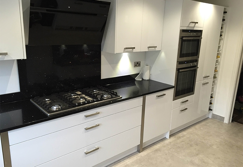 Nevada White With Stella Negro Silestone Worktops