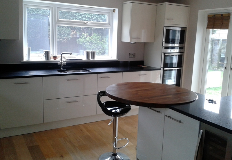 Nevada White With Granite Worktops