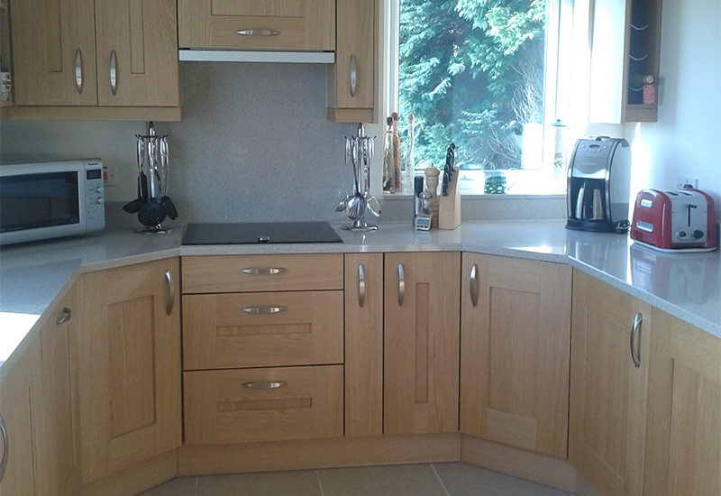 Solva Light Oak with Phoenix Sand Quartz