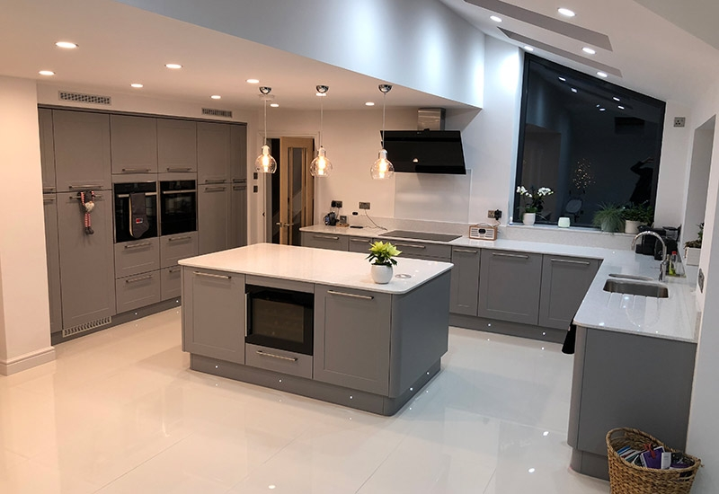 Chatsworth Dust Grey with Quartz Mirror worktops