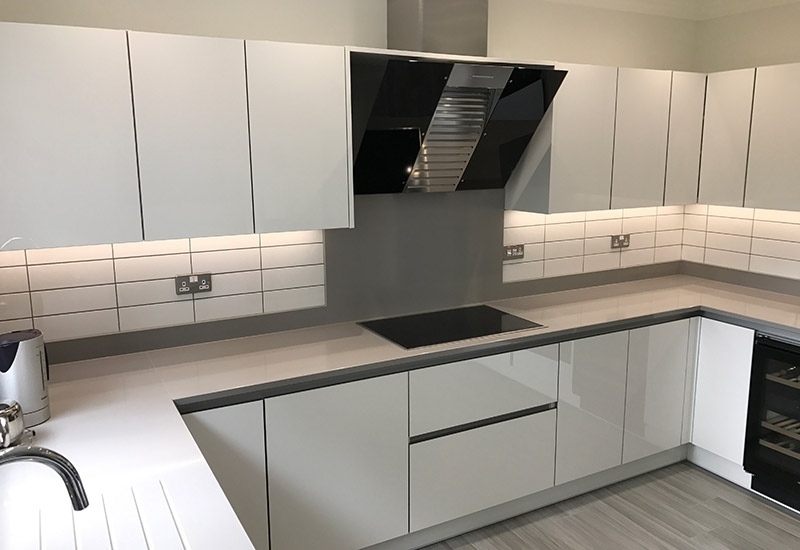 H Line Lumina White with Kensho Silestone