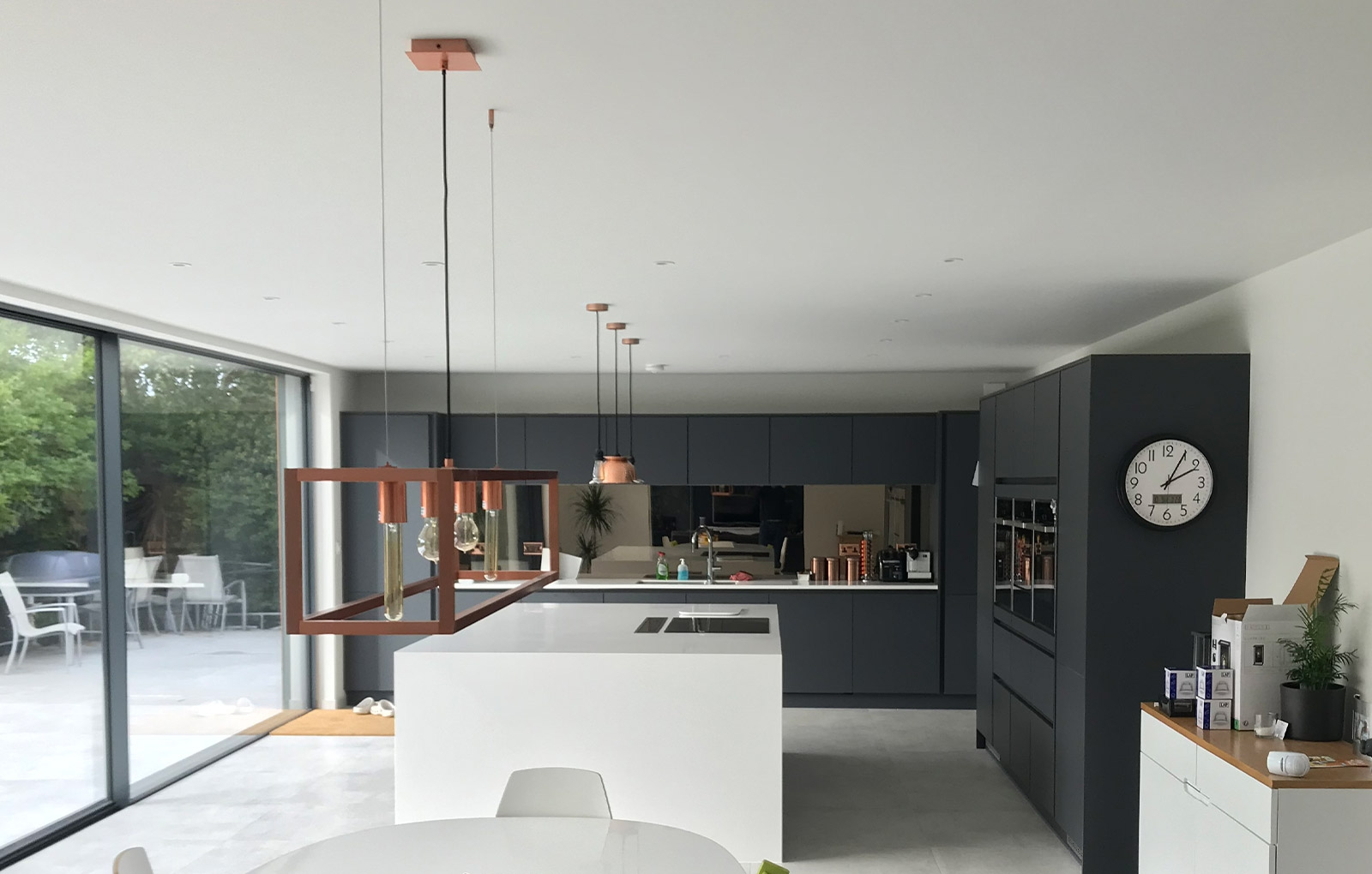 How to Create a Stylish Dark Kitchen