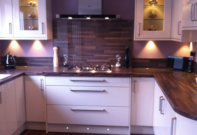 Nevada Mussel With Harvard Oak Worktops
