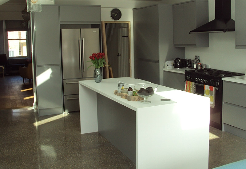 Roma Dust Grey with Designer White worktops